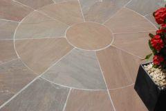 Strata Stone Classic Sandstone Paving Circle - Autumn 2.85 Diameter with Squaring off Kit