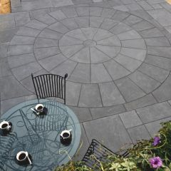 Strata Stone Classic Sandstone Paving Circle - Black Lime